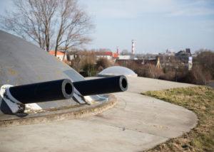 Gereconstrueerde geschuts koepels Fort 1881 Hoek van Holland. (Foto: Arthur van Beveren)